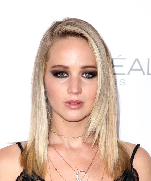 Jennifer Lawrence Medium Straight Casual    Hairstyle   - Light Blonde Hair Color