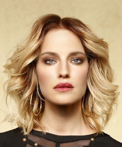 Medium Wavy Casual Bob  Hairstyle   - Medium Blonde