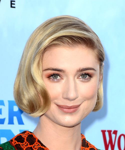 Elizabeth Debicki Short Wavy Casual  Bob  Hairstyle   - Light Blonde Hair Color