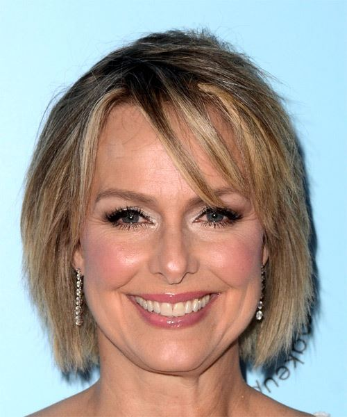 Melora Hardin Short Straight Casual   Hairstyle with Side Swept Bangs  - Medium Blonde