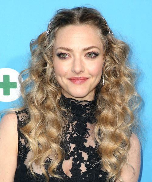 Amanda Seyfried Long Curly Casual   Hairstyle   - Medium Blonde