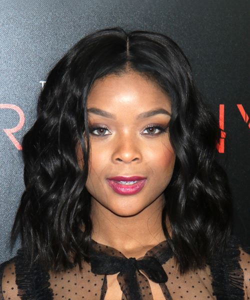 Ajiona Alexus Medium Wavy Black Bob Hairstyle