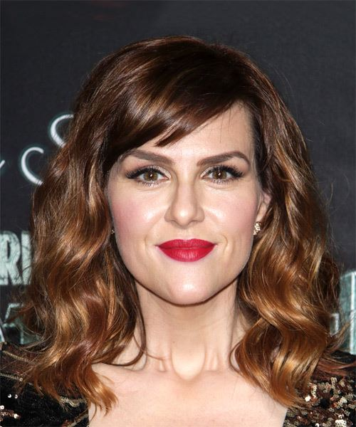Sara Rue Medium Wavy Casual   Hairstyle with Side Swept Bangs  - Medium Brunette