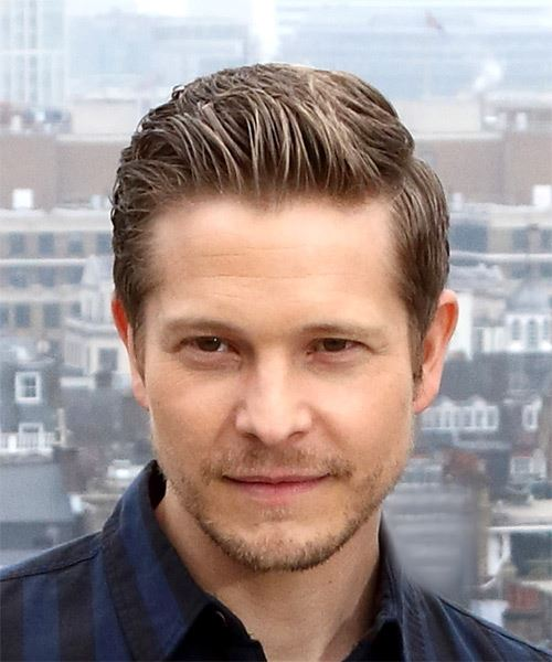 Matt Czuchry Short Straight Formal   Hairstyle   - Light Brunette