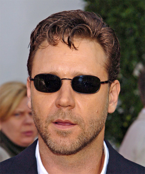 Russell Crowe Short Wavy Casual    Hairstyle