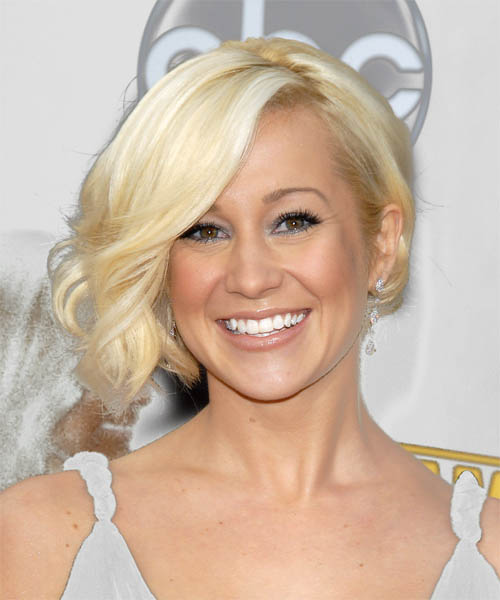 Kellie Pickler Medium Wavy Formal    Hairstyle