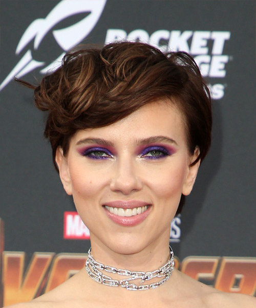 Scarlett Johansson Short Wavy Casual  Pixie  Hairstyle with Side Swept Bangs  -  Brunette Hair Color