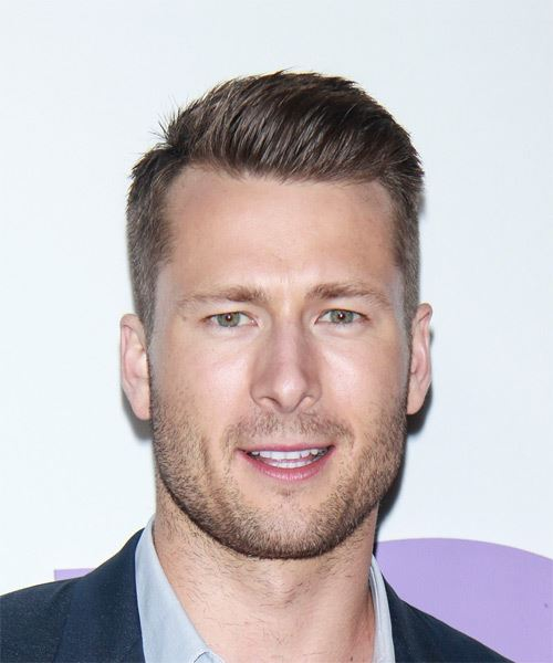 Glen Powell Short Straight Casual    Hairstyle   -  Brunette Hair Color
