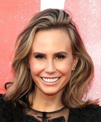 Keltie Knight Medium Wavy    Brunette Bob  Haircut