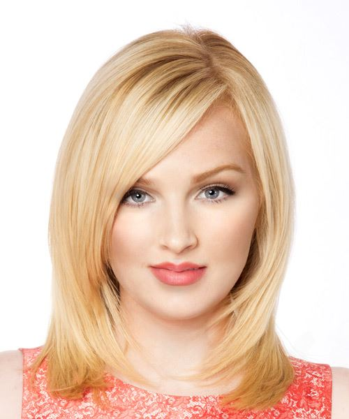 Medium Straight Light Blonde Hairstyle with Side Swept Bangst and Medium Hair Texture