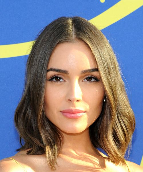 Olivia Culpo Medium Straight Casual  Bob  Hairstyle   -  Brunette Hair Color