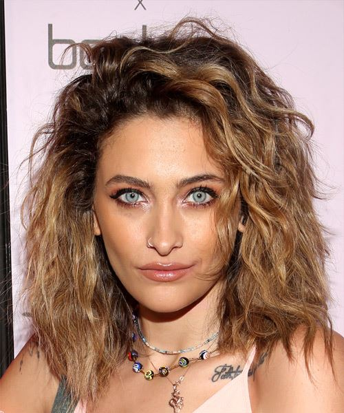 Paris Jackson Medium Wavy Light Brunette Hairstyle with Curls and Coarse Hair Texture
