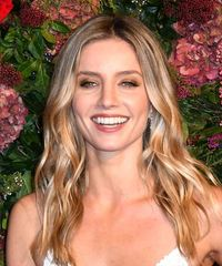 Annabelle Wallis Long Wavy    Blonde   Hairstyle   with  Brunette Highlights