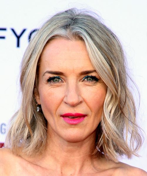 Ever Carradine Medium Wavy Beach Hairstyle