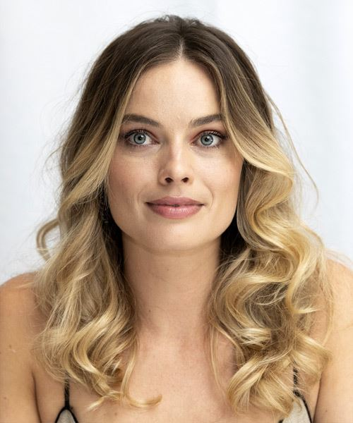 Margot Robbie Long Wavy    Brunette and  Blonde Two-Tone   Hairstyle with Layered Bangs