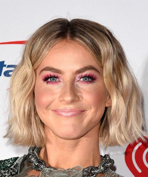 Julianne Hough Medium Wavy    Blonde Bob  Haircut   with Light Blonde Highlights