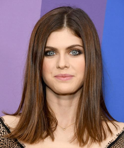 Alexandra Daddario Medium Straight   Dark Brunette Bob  Haircut with Blunt Cut Bangs