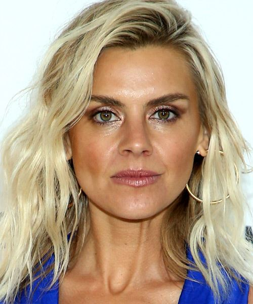 Eliza Coupe Medium Wavy   Light Blonde and Black Two-Tone   Hairstyle with Side Swept Bangs