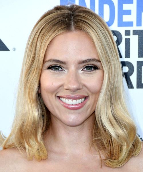 Scarlett Johansson Medium Straight    Blonde   Hairstyle   with Light Blonde Highlights