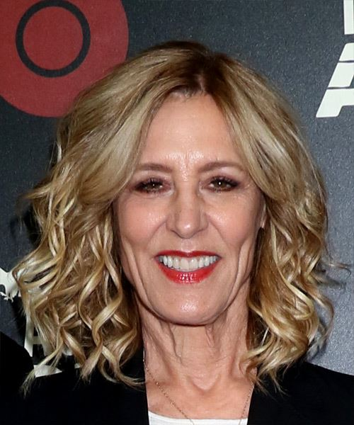 Christine Lahti Medium Wavy Layered   Blonde Bob  Haircut   with Light Blonde Highlights