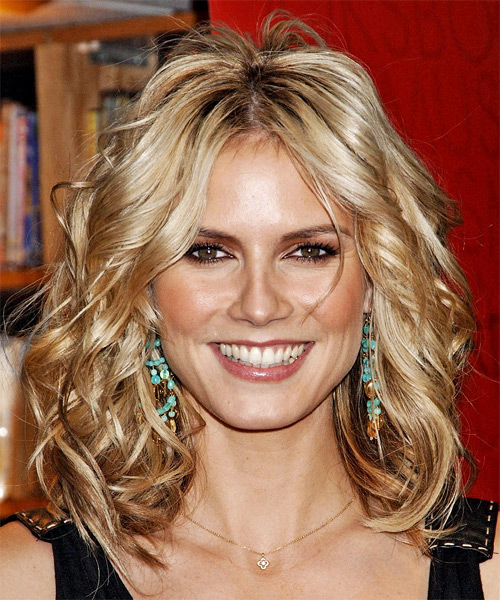 Heidi Klum Medium Wavy Casual   Hairstyle