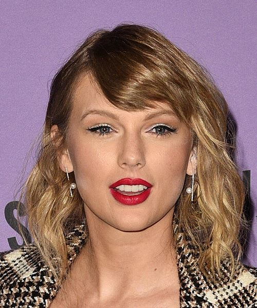 Taylor Swift Medium Wavy    Brunette   Hairstyle with Side Swept Bangs  and  Blonde Highlights