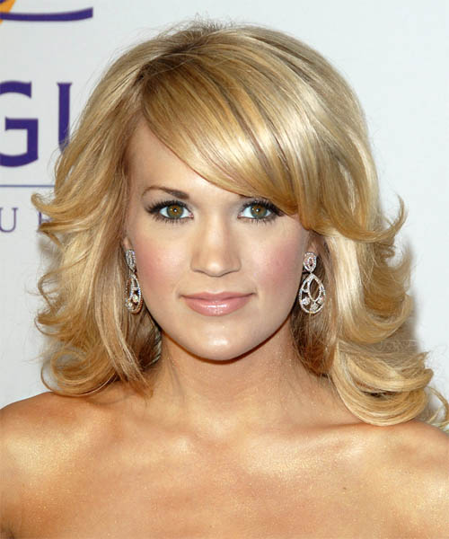 Carrie Underwood Long Wavy    Golden Blonde   Hairstyle with Side Swept Bangs  and Light Blonde Highlights
