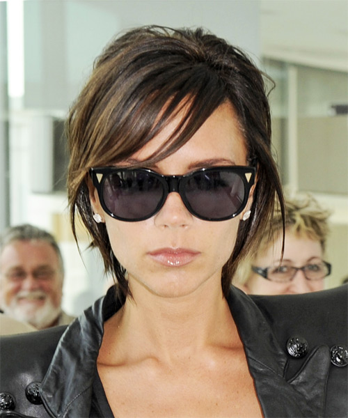 Victoria Beckham Short Straight Casual   Hairstyle with Side Swept Bangs