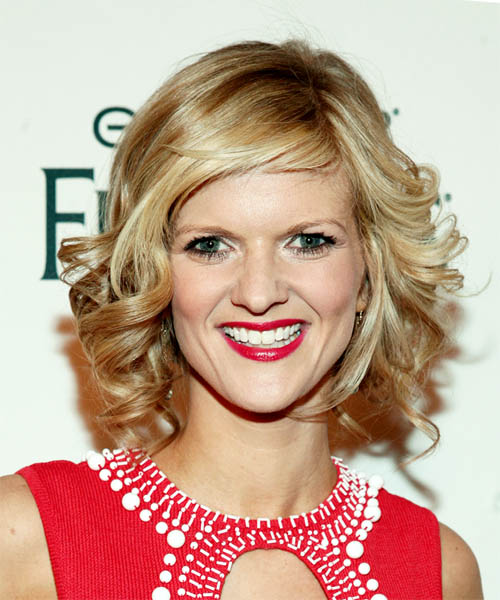Arden Myrin Medium Wavy Formal   Hairstyle