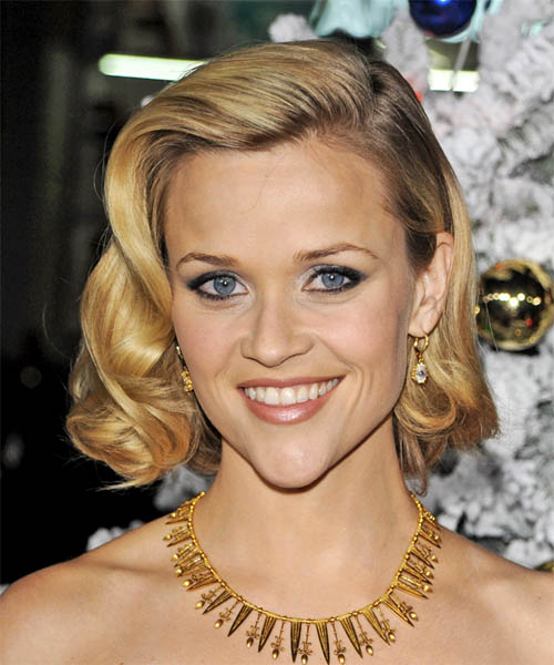 Reese Witherspoon Medium Wavy    Golden Blonde Bob  Haircut   with Light Blonde Highlights