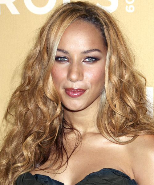 Leona Lewis Long Wavy Hairstyle with Curls