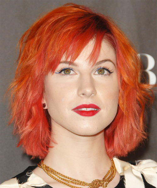 Hayley Williams Medium Wavy Alternative   Hairstyle