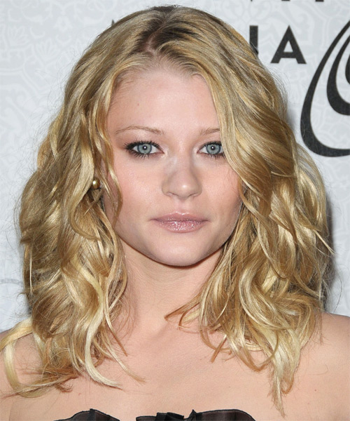 Emilie de Ravin Long Wavy Casual   Hairstyle