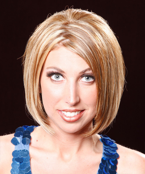 Medium Straight Bob Hairstyle with zigzag hair part and blonde hair