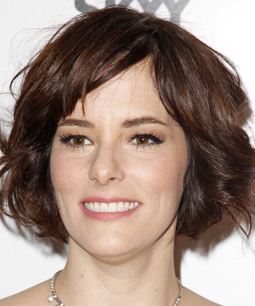 Parker Posey Medium Wavy Casual   Hairstyle