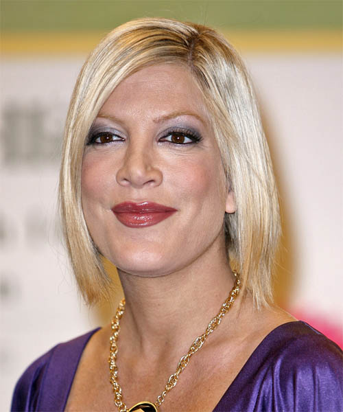 Tori Spelling Medium Straight Casual   Hairstyle