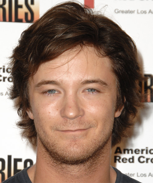 Michael Welch Medium Wavy Casual   Hairstyle