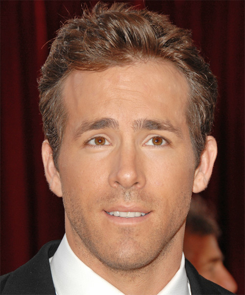 Ryan Reynolds Short Straight Formal   Hairstyle