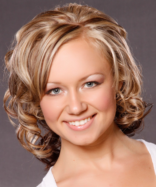 Medium Curly   Dark Blonde   Hairstyle   with Light Blonde Highlights