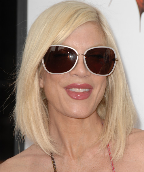 Tori Spelling Medium Straight Casual    Hairstyle   - Light Platinum Blonde Hair Color
