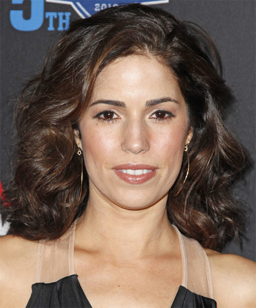 Ana Ortiz Medium Wavy Casual   Hairstyle