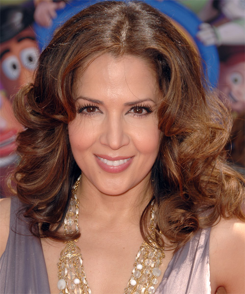 Maria Canals Barrera Medium Wavy Formal   Hairstyle
