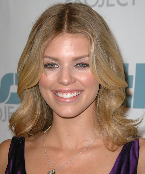 AnnaLynne McCord Medium Wavy Formal   Hairstyle