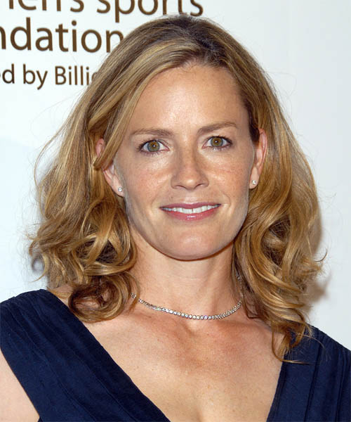 Elisabeth Shue Long Wavy Casual   Hairstyle