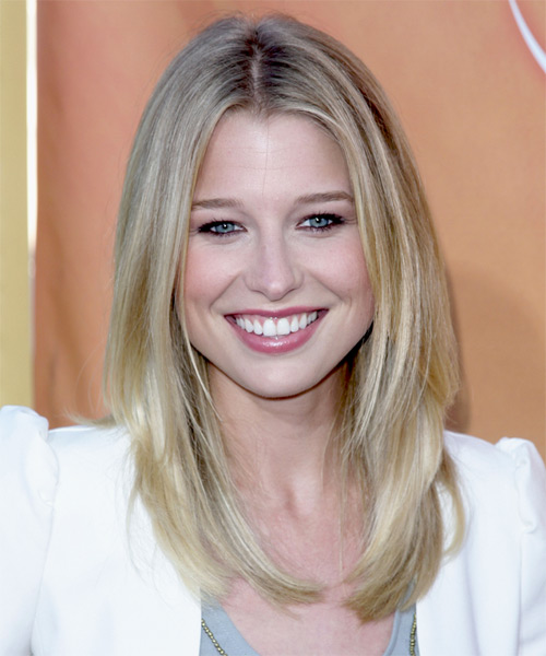 Ellen Woglom Long Straight Casual    Hairstyle