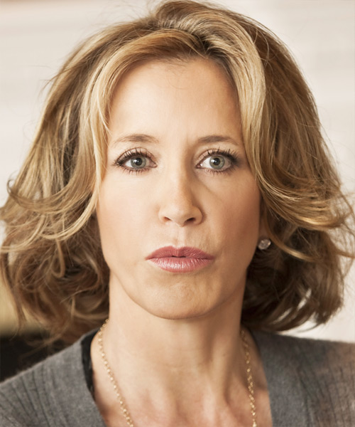 Felicity Huffman Medium Wavy Casual    Hairstyle