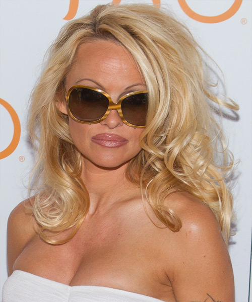 Pamela Anderson Long Wavy Casual   Hairstyle