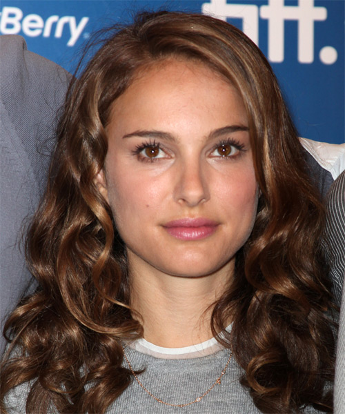 Natalie Portman Long Wavy Casual    Hairstyle