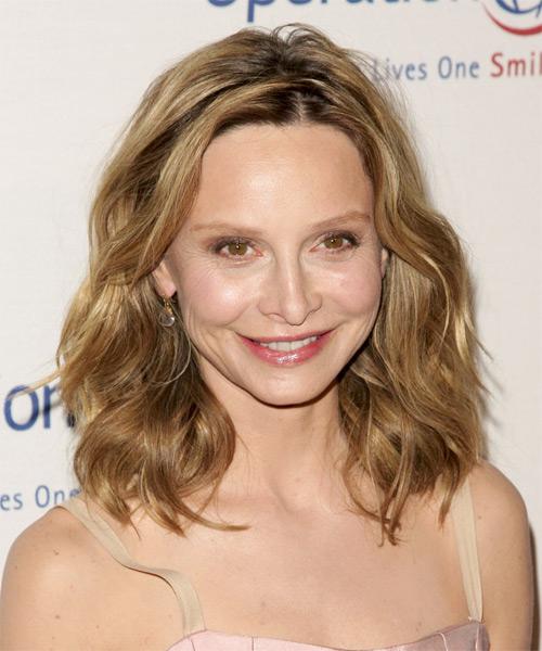 Calista Flockhart Medium Wavy Casual   Hairstyle