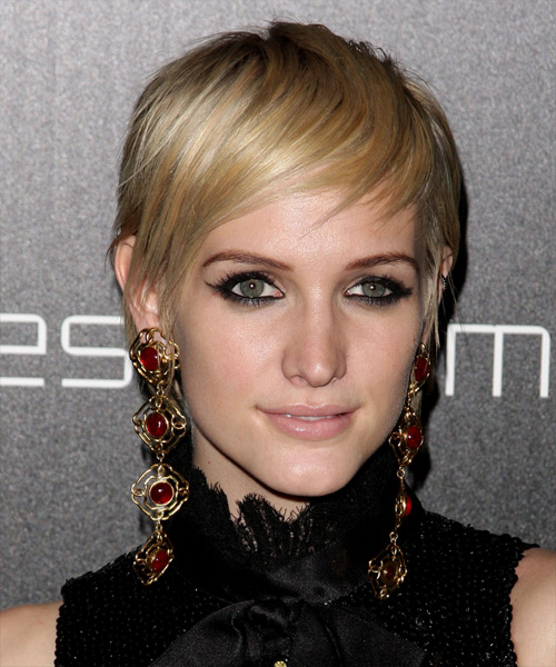 Ashlee Simpson Short Blonde Hairstyle